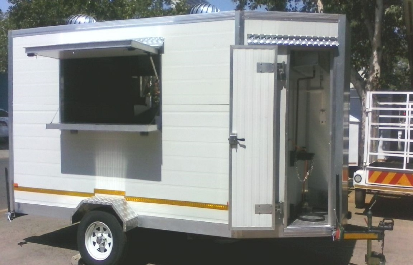 Mobile Kitchen 4M for sale