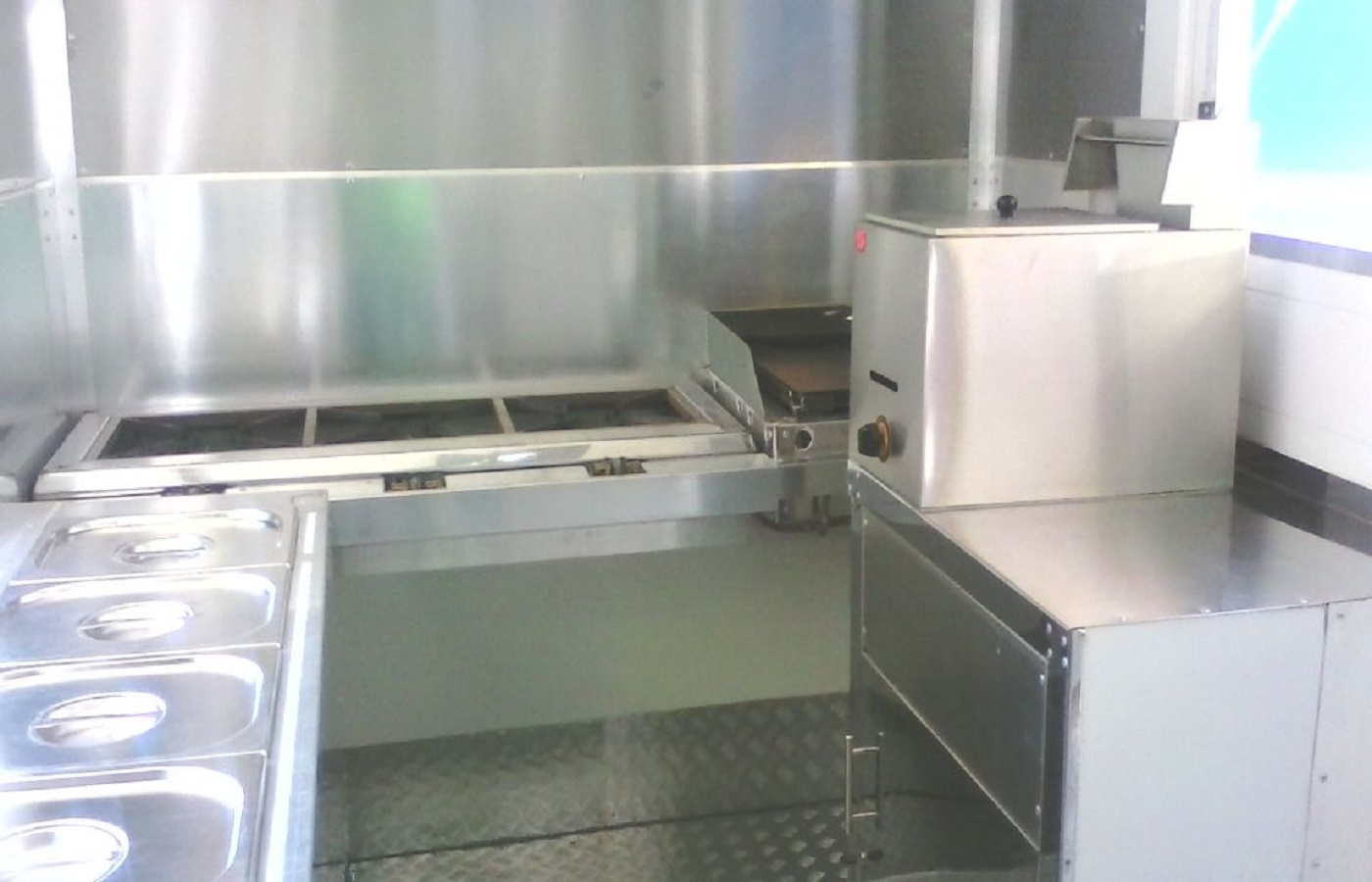 Msf trailer manufacturers mobile kitchens mobile for Kitchen manufacturers durban